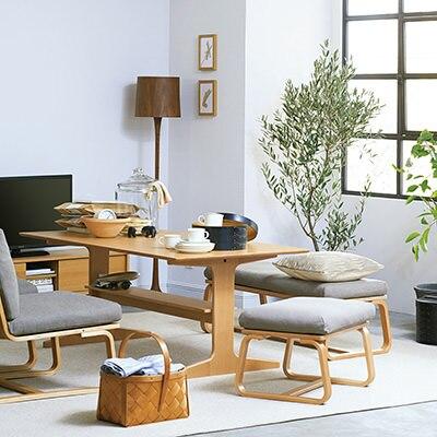 シンプルな無印食品のテーブル!木の温もり感じるナチュラル派☆