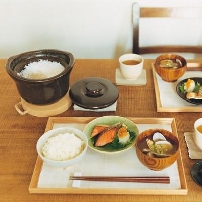 無印良品で「土鍋」を選ぶ。シンプルで機能的な魅力をご紹介