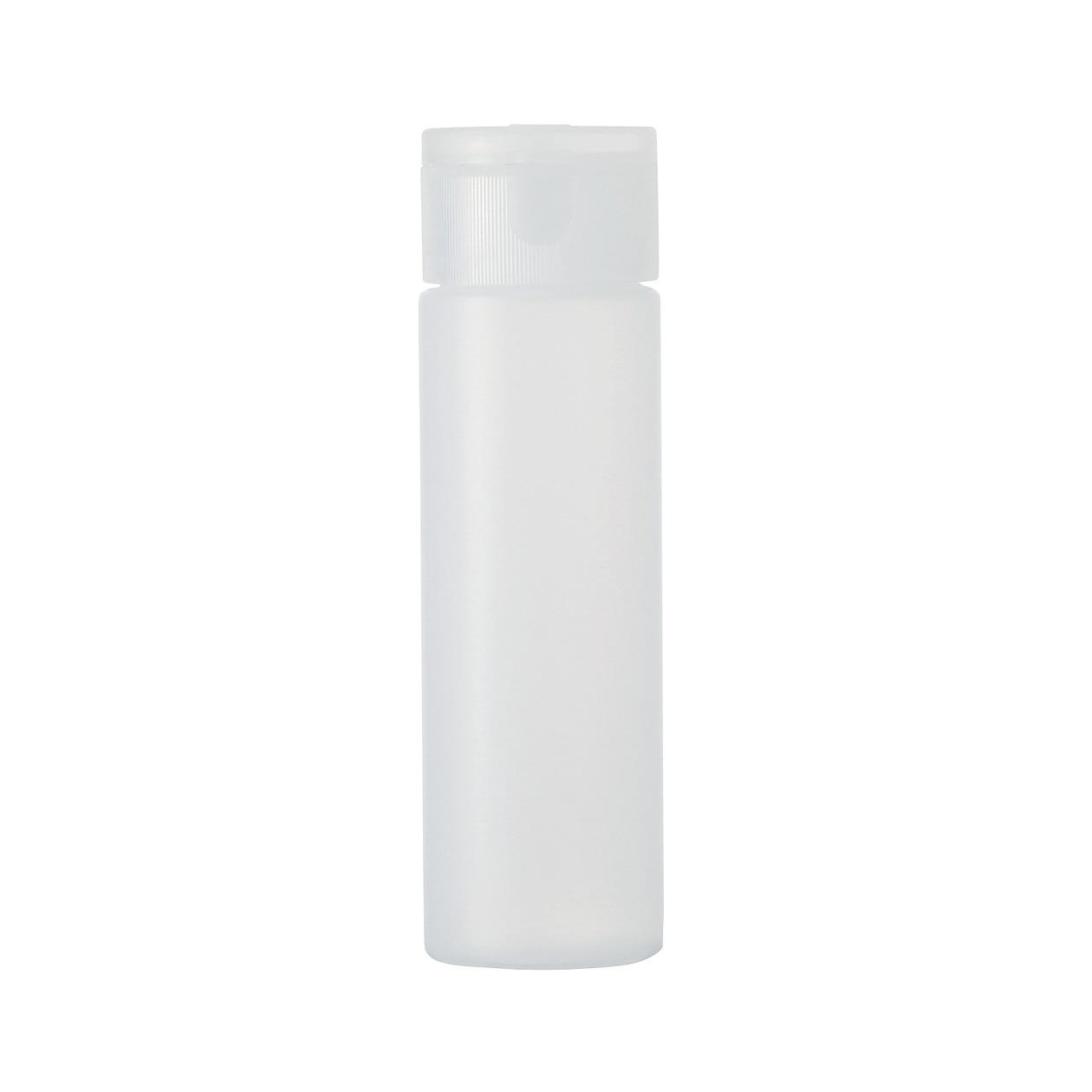 写真の真ん中がボトルポンプタイプの容器です。 上部を押すことで出てくるのでサラサラとした液体に向いています。  筆者はクレンジングオイルを入れて使用しています ...