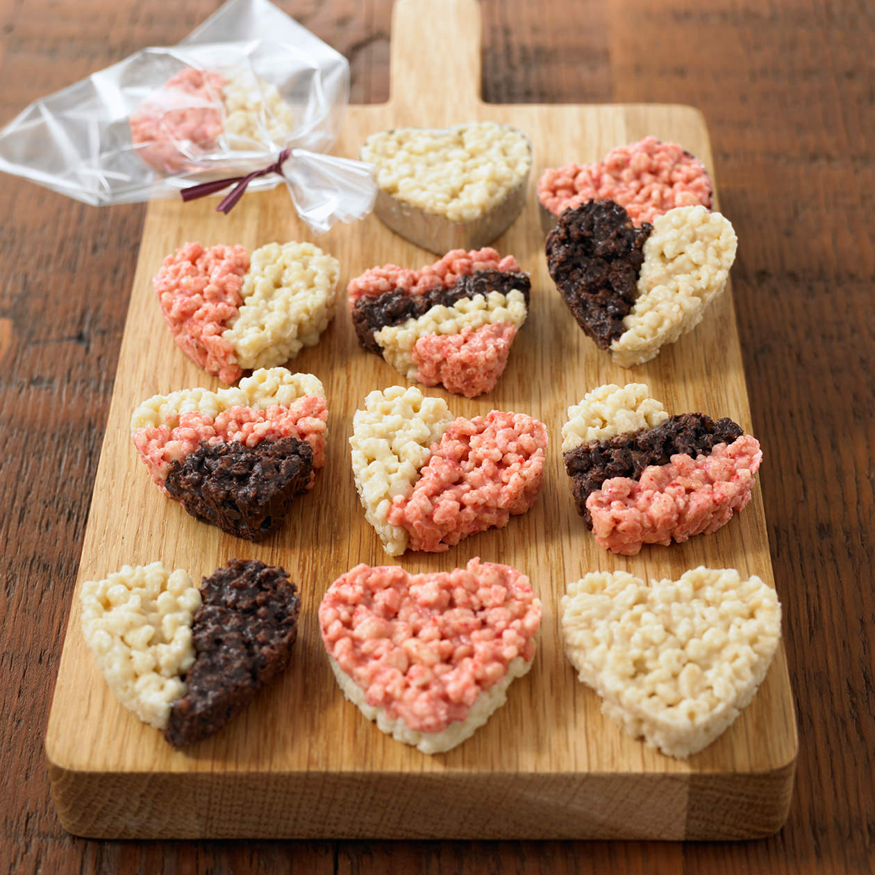 Handmade Heart-shaped Crunch Chocolate Kit