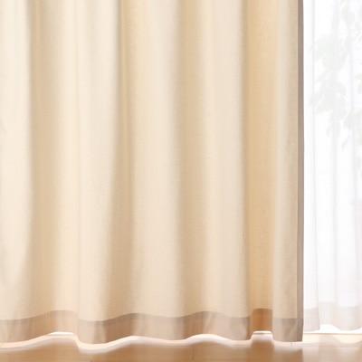 以前住んでいた家の寝室は窓が小さく、 日当たりも悪かったのですが、 ここは東向きで、 朝からさんさんと光が差し込みます。
