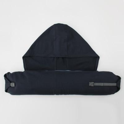 フィットするネッククッション 黒・約16.5×67cm   無印良品ネットストア : 首枕(ネッククッション)の無限の可能性とわかりやすい使い方 -  NAVER まとめ