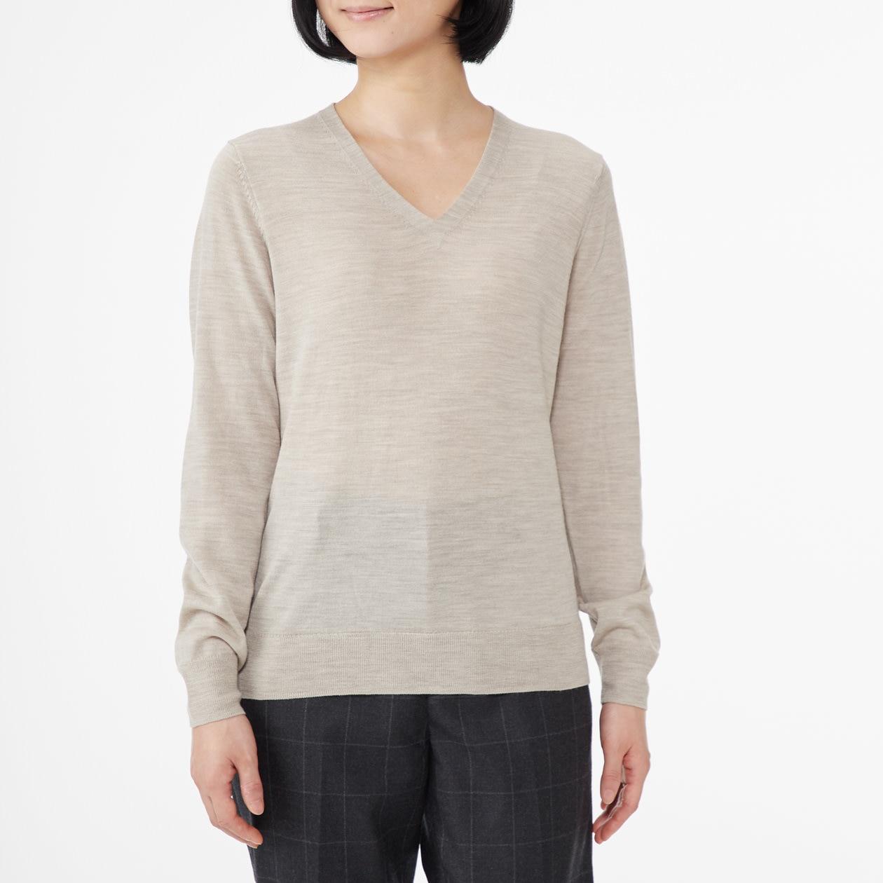 ウールシルク洗えるVネックセーター 婦人XXL・オートミール