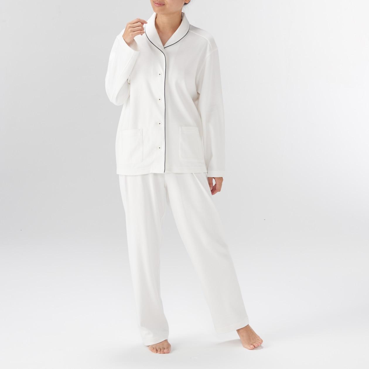 脇に縫い目のないソフトスムースパジャマ