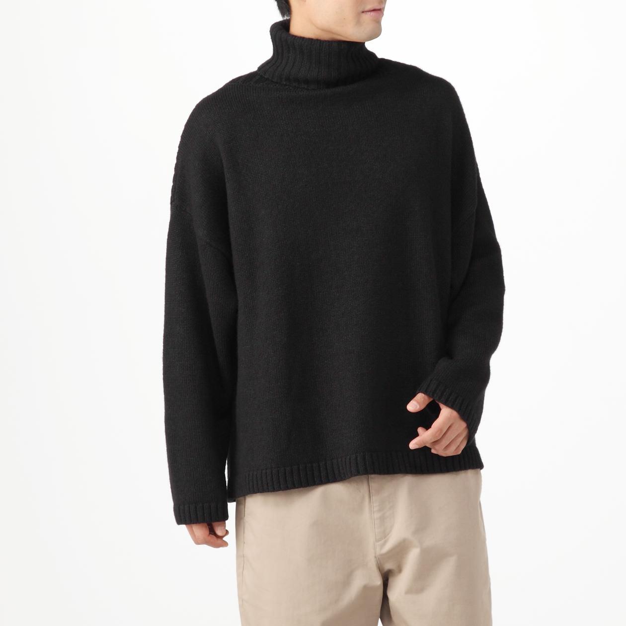 前でも後でも着れるタートルネックセーター