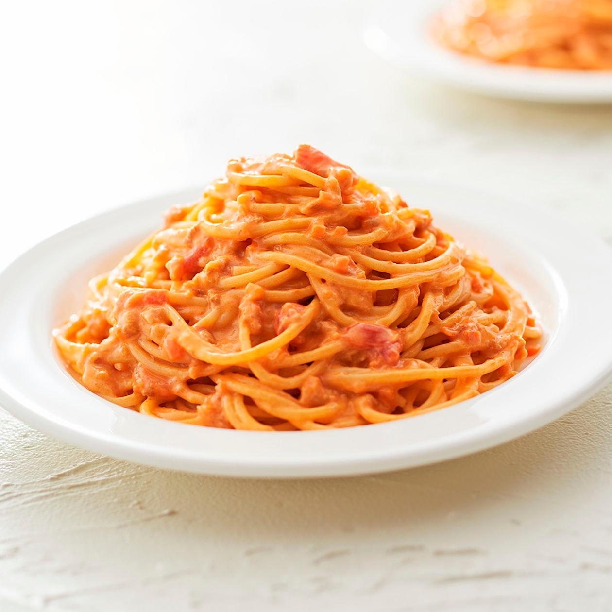 素材を生かしたパスタソース 紅ずわい蟹のトマトクリーム