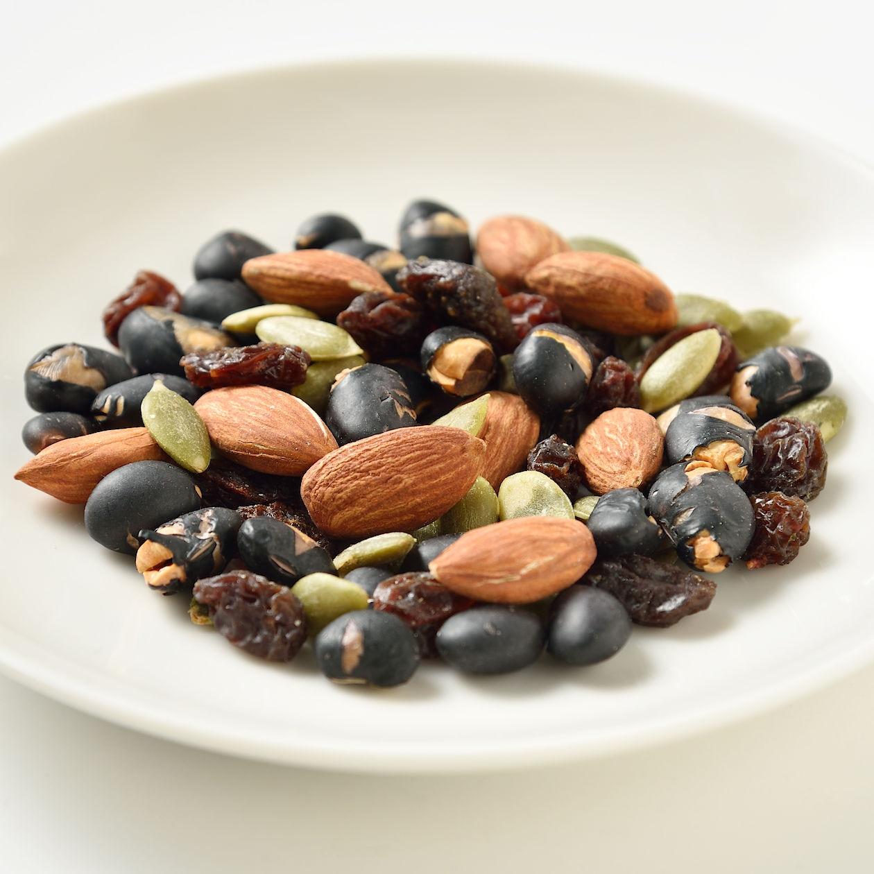バランス良く組み合わせた 黒大豆&アーモンド