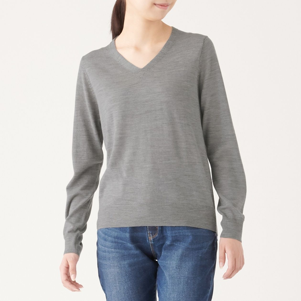 ウールシルク洗えるVネックセーター