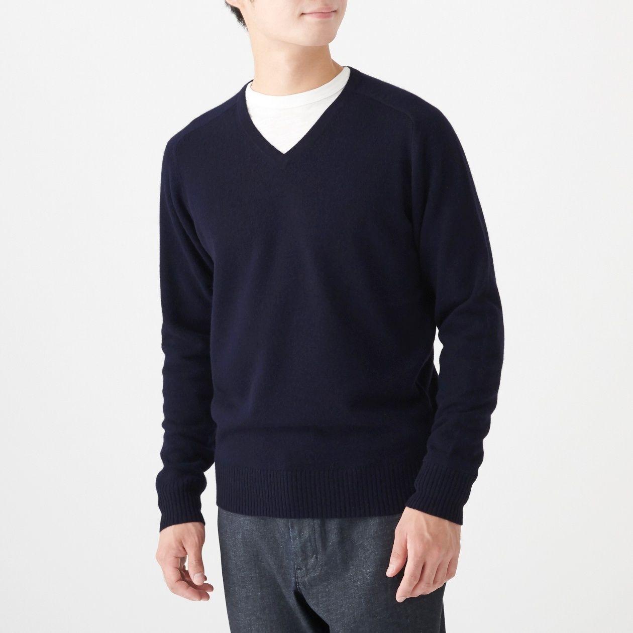 ヤク混ウールVネックセーター