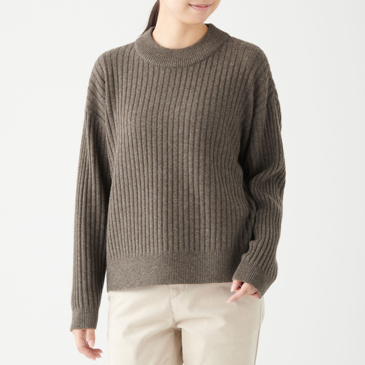 ヤク入りウールワイドリブ編みモックネックセーター