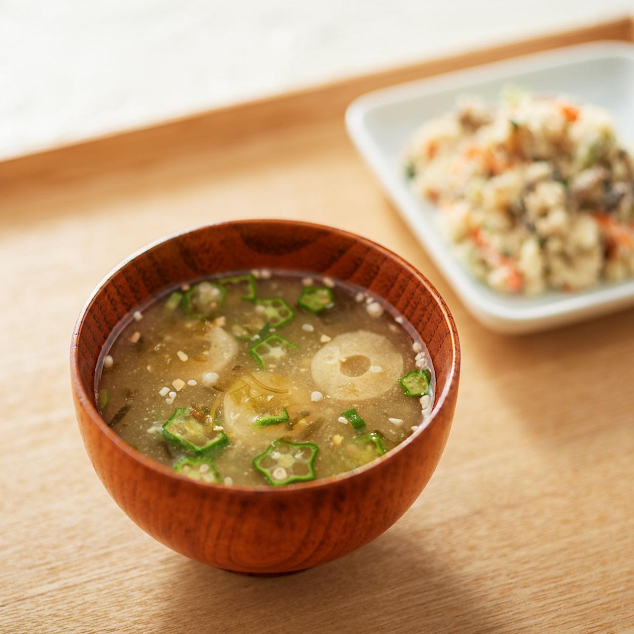食べるスープ 海苔とめかぶの味噌汁
