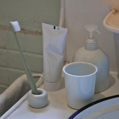 白磁歯ブラシスタンド 1本用