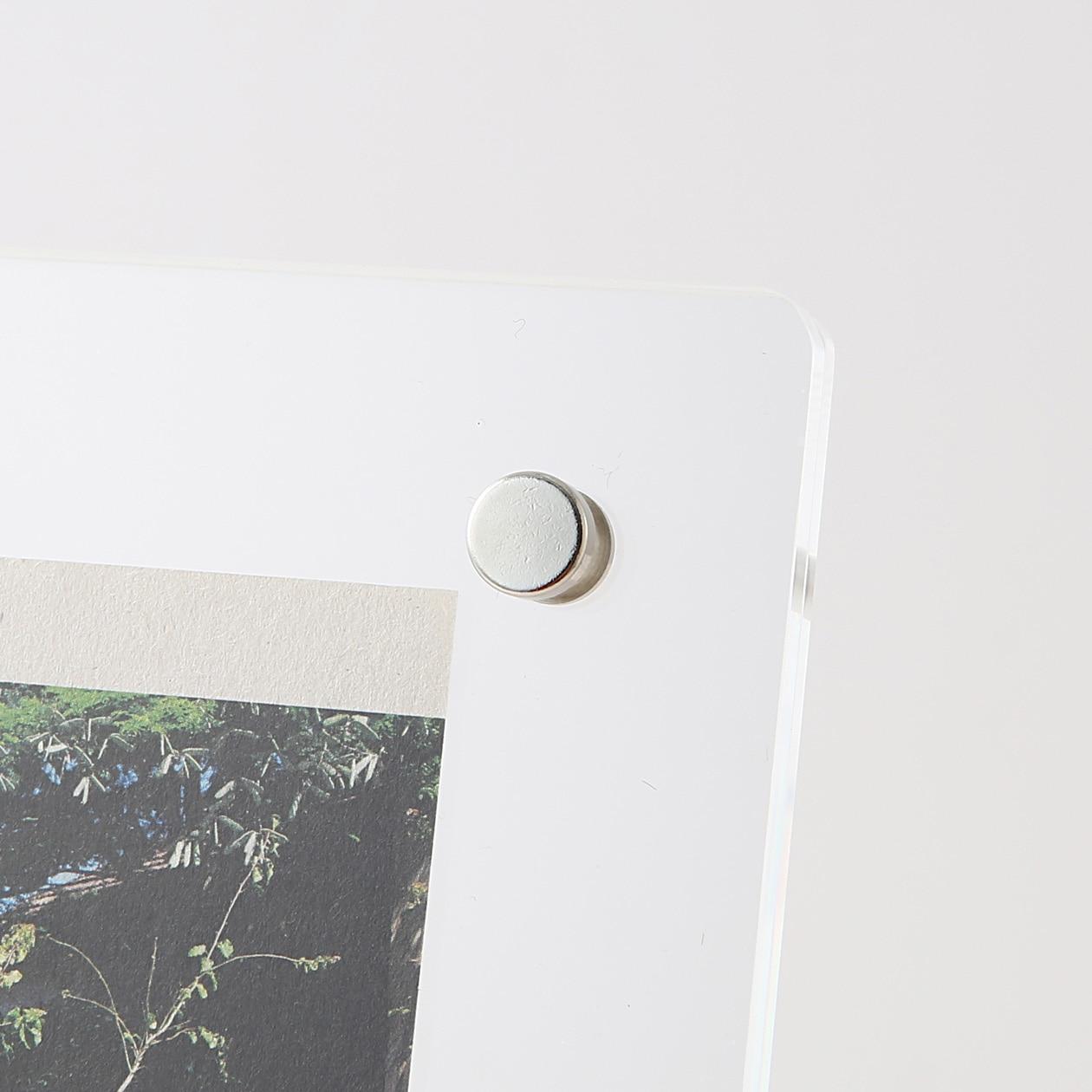 Acrylic Frame With Steel Legs | 無印良品 MUJI