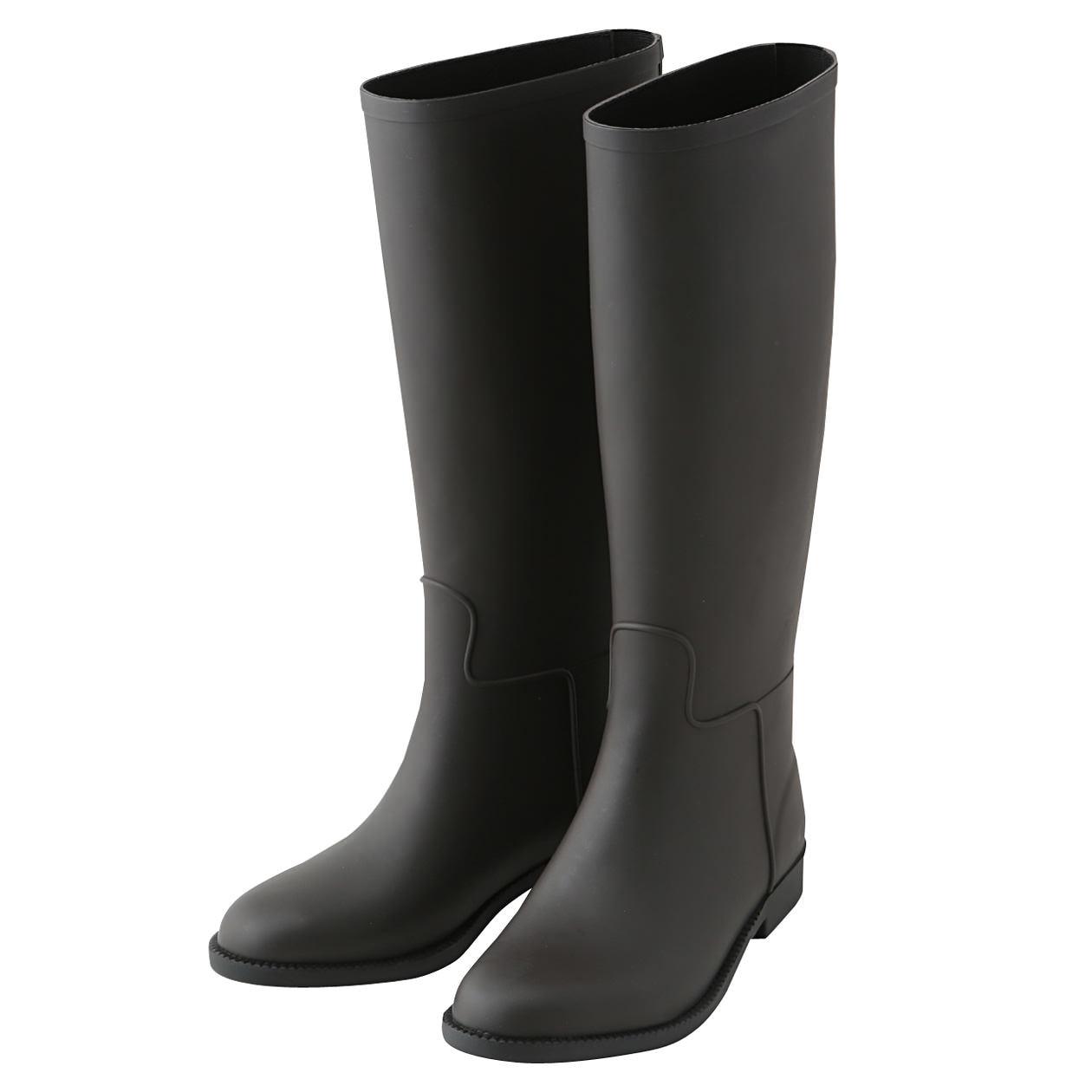 次にご紹介する商品は紳士用のレインブーツ。これは紳士サイズのM〜LLまであります。カタチはサイドゴアブーツのような側面と後の長めのベロが脱ぎ履きしやすくなっ  ...